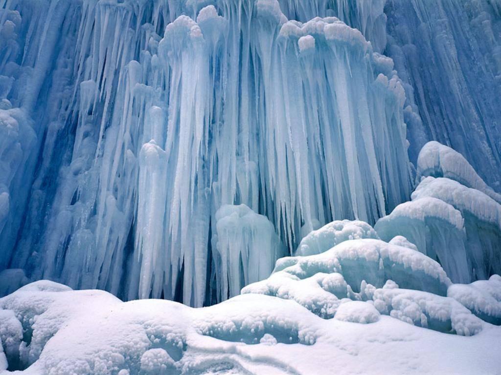 Stalattiti, colonne, ghiaccio